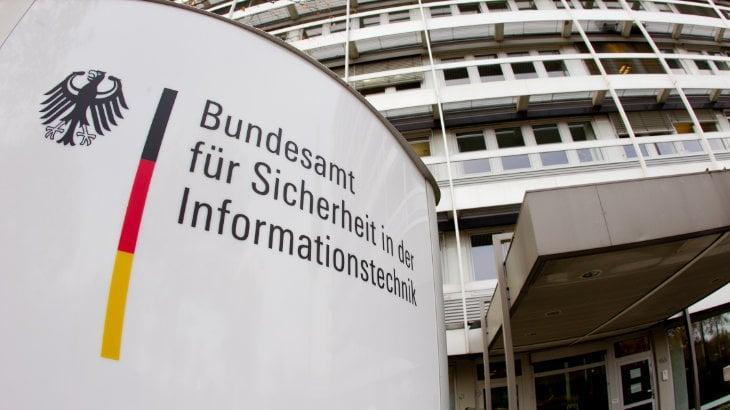 Das BSI warnt vor akuter CEO-Fraud-Gefahr